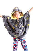 SAMPLE SALE: Parachutes Poncho - Coral Fleece Poncho Outerwear Robe | Toddler-10 Yrs - Moodie