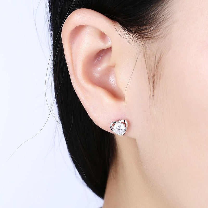 2ct. (8mm) Round Cubic Zirconia 925 Sterling Silver 3 Prong Heart Shaped Stud Earrrings - Del Valle