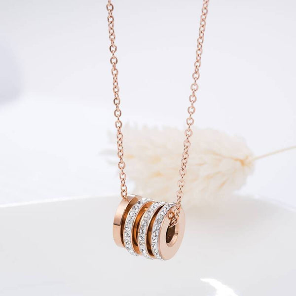 Rose Gold 3 Rings Crystal Shine Hypoallergenic Stainless Steel Necklace - Del Valle