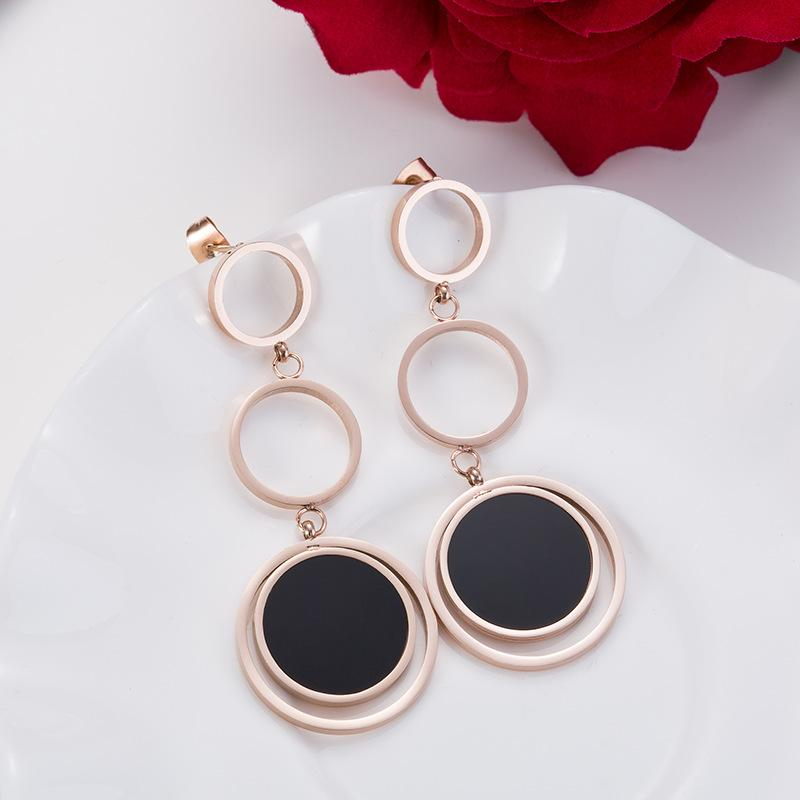 Rose Gold And Black Triple Circles Long Surgical Steel Earrings - Del Valle