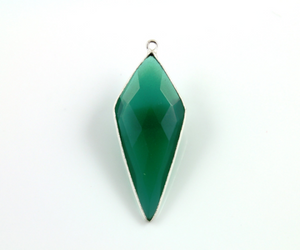 Green Onyx Faceted Long Triangle Bezel, (SSBZC9021/GNX) - Beadspoint