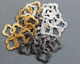 10 pieces, Clover or Quatrefoil Component, 2 Sizes,(VM/6578/14-18) - Beadspoint