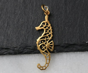 24K Gold Vermeil Over Sterling Silver Seahorse Charm -- VM/CH7/CR107 - Beadspoint