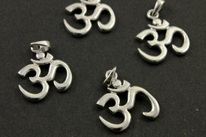 Sterling Silver Artisan OHM Charm -- SS/CH2/CR61 - Beadspoint