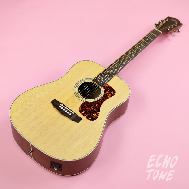 Guild D240E Dreadnought (Natural Satin)
