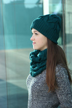 luxurious set of merino wool hat and scarf