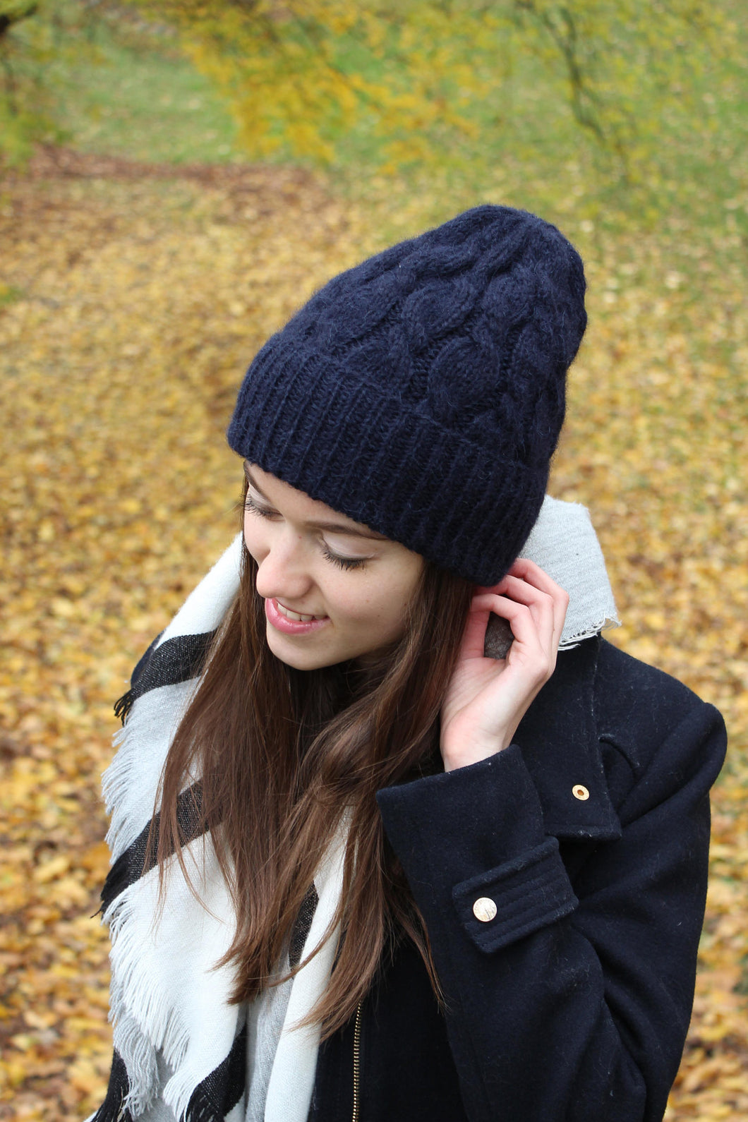 navy blue luxurious knit hat by la knitteria