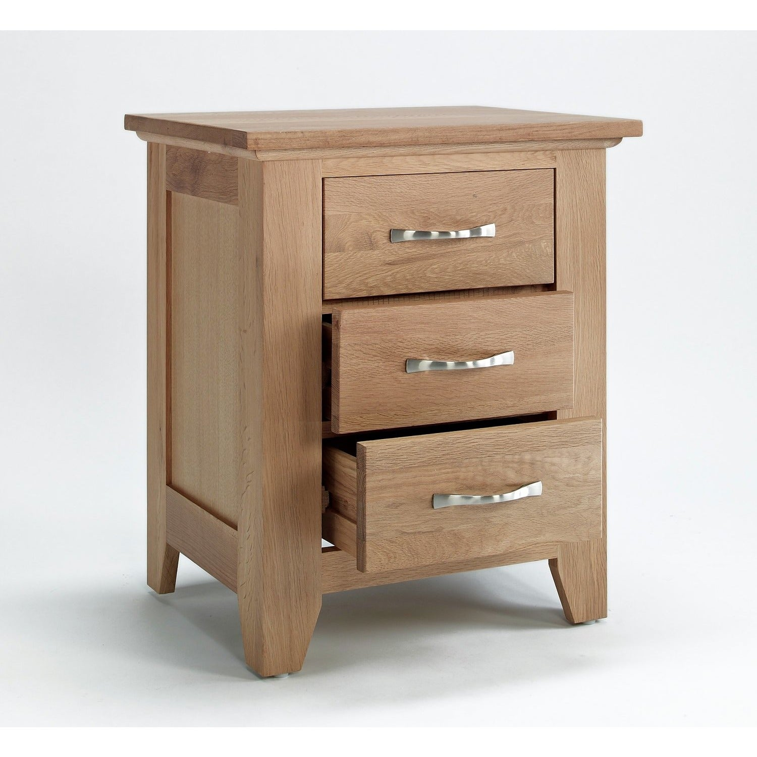 Sherwood Oak Bedside 3 drawer - Perfectly Home Interiors