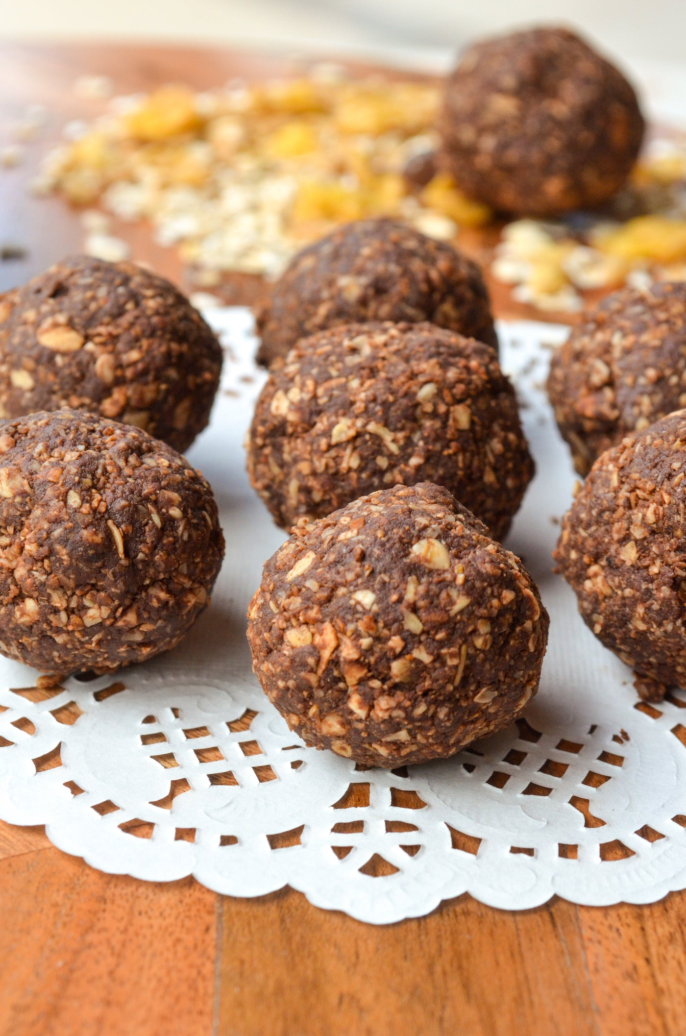 No bake dark chocolate oats bites