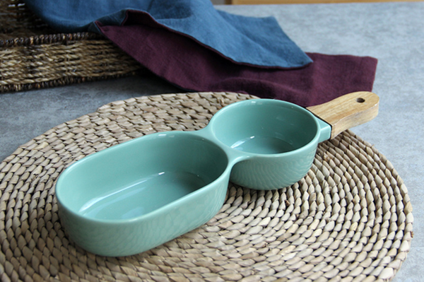 MERRY 2 part chip and dip bowl with wooden handle - green
