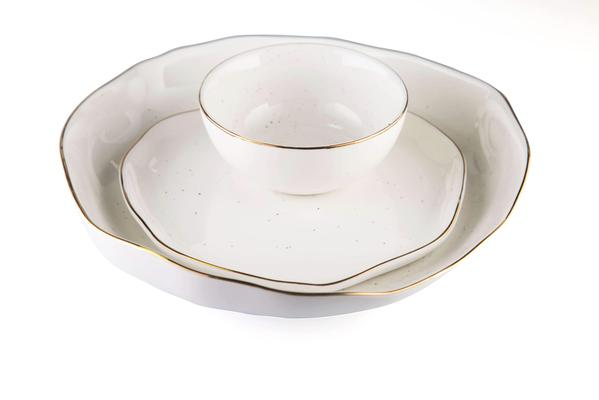 white stone effect with gold rim past dish quarter plate and small bowl