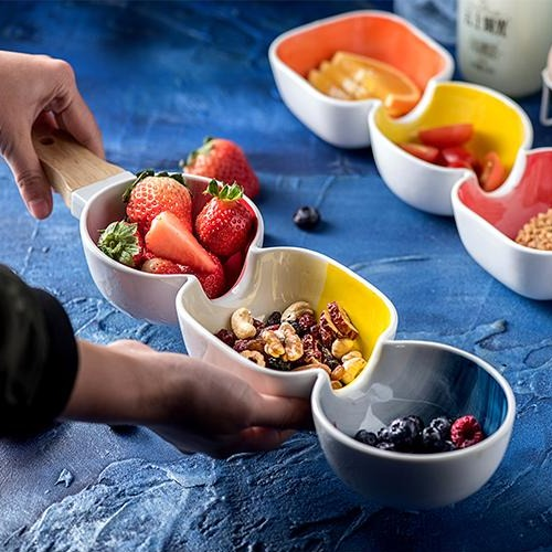 MERRY 3 part snack bowl with wooden handle - Navy blue, yellow & red