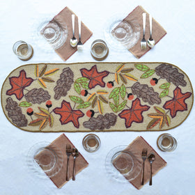 Beads Maple Leaf Runner