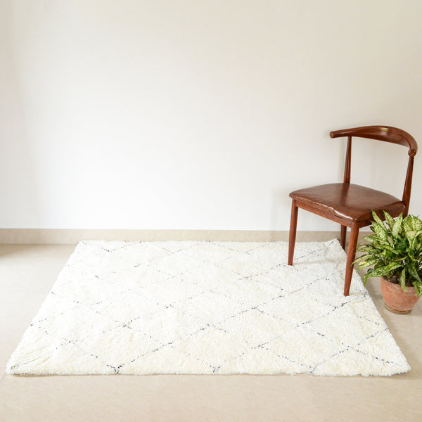 BRAD criss cross fringe rug (M) - Off-White