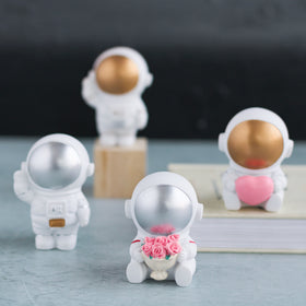Mini Astronauts - Set of 4