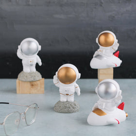 Table Astronauts