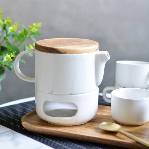 Teaset With Warmer