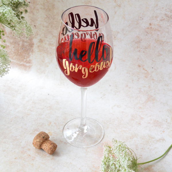 "MERRY ""Hello gorgeous"" Quote Stem glass - Black , Gold"