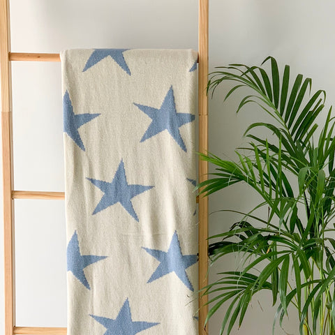 MERRY Star Knitted Throw Blanket - Blue , White