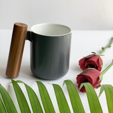 CHICERAMIC Ceramic mug with wooden handle-Black