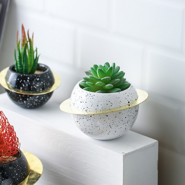 Planet Planter White Medium