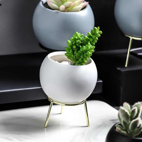 Round Planter With Stand White Gold