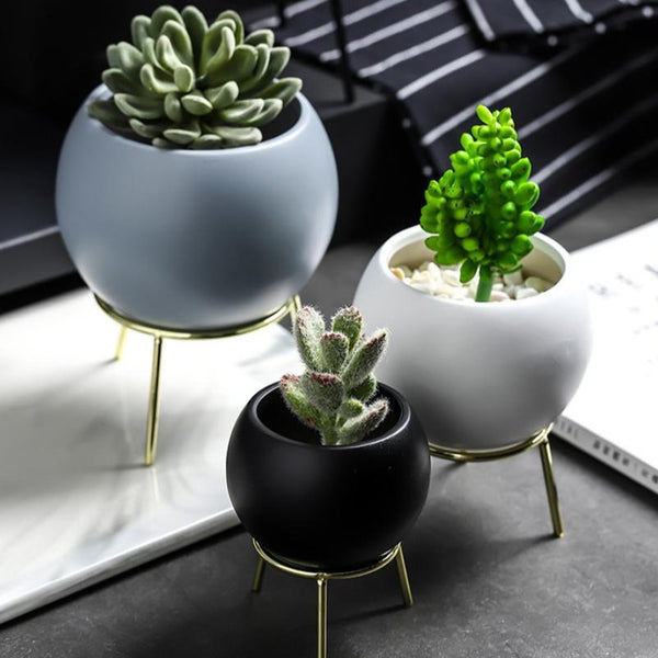 Round Planter With Stand Grey Gold