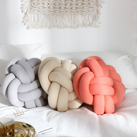 KNOTTED Pillow- light red / peach