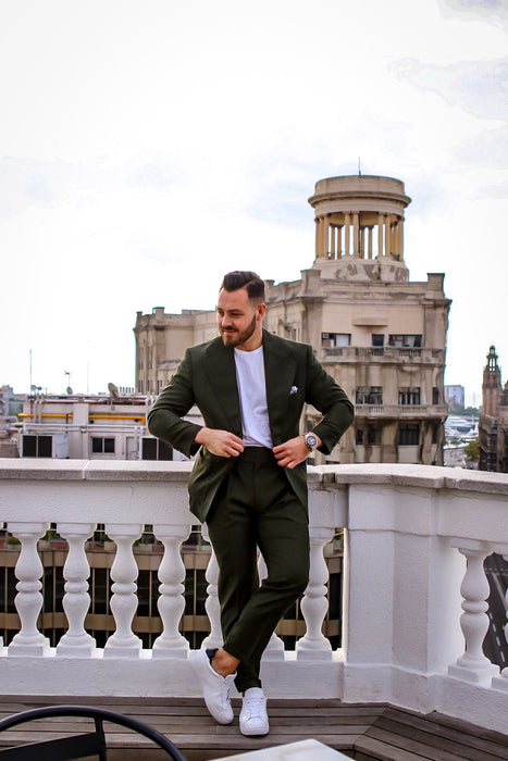 The Ultimate Green Suit by @dailytouchofclass