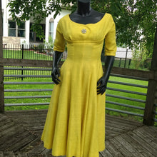 Stunning Vintage 1940's Cocktail Dress! Modern size 6. So Mad Men!