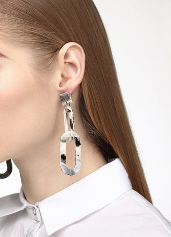 Linked To Love Earrings (white/black) Earrings - FIACCI