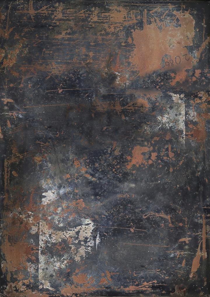 517. 'Drip' black and rust metal, A1 vinyl photography background