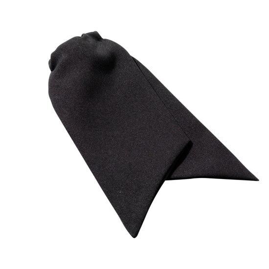 Women's clip-on cravat