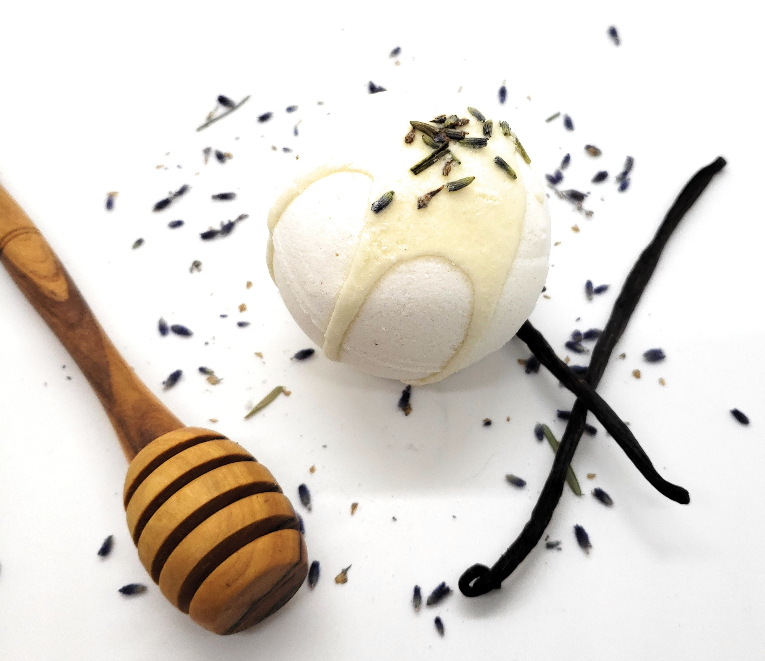 Natural bath bombs with essential oils