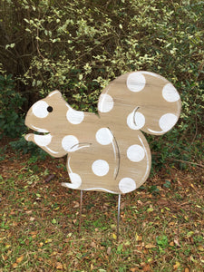 "Squirrel Yard Stake 20""x24"""