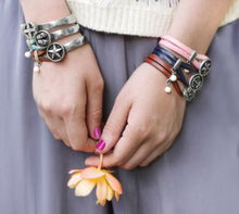 EVERLY FLOWER CUFF