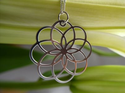 Dahlia pendant in stainless steel