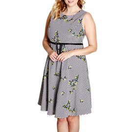 Yumi Curves Embroidered Floral Dress- Black