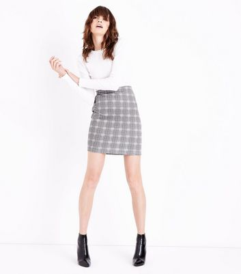 Cameo Rose Light Grey Prince of Wales Check Mini Skirt New Look