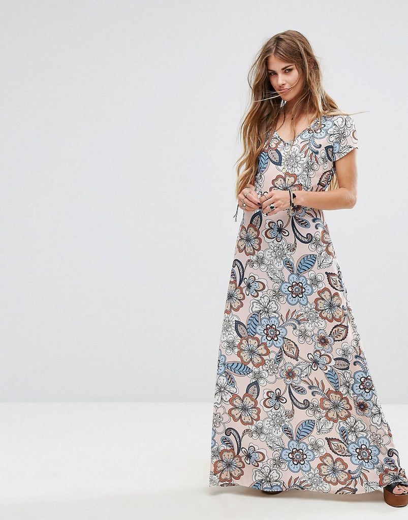 Liquorish Maxi Dress In Large Floral Print - Pink