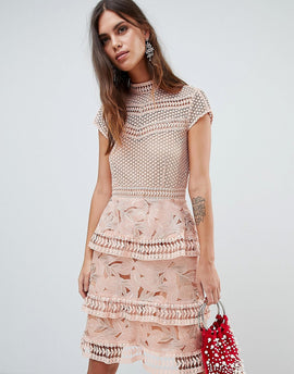 Y.A.S Dress With Tiered Lace Detailed Skirt - Pink