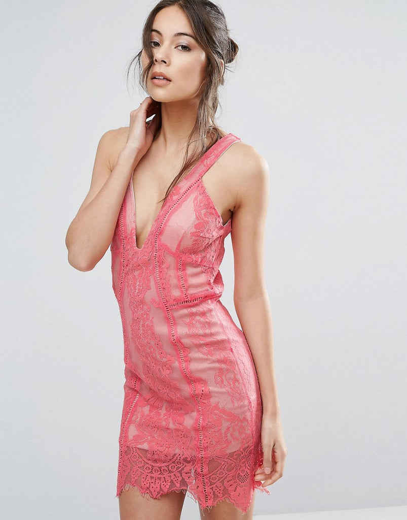 Love Triangle Lace Dress With Plunge Neck - Peach