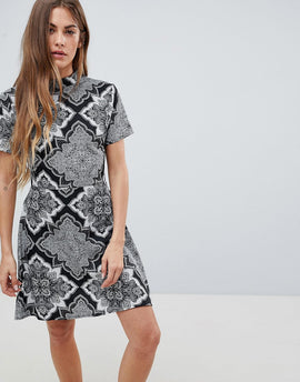 Daisy Street High Neck Printed Dress - Black/grey