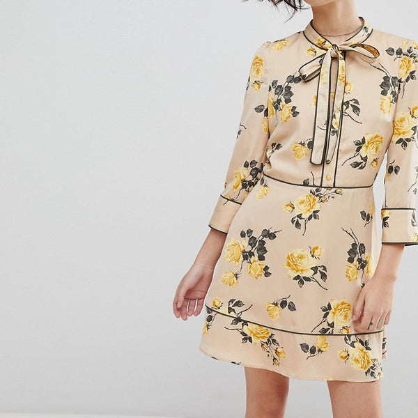 J.O.A Tea Dress With Neck Tie In Vintage Floral - Flax multi