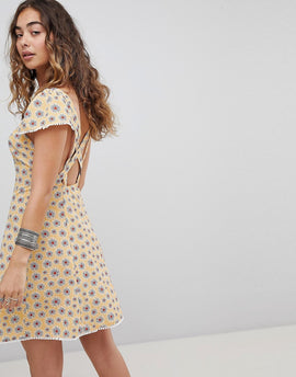 Kiss The Sky Cross Back Button Front Tea Dress In Ditsy Floral - Pale mustard