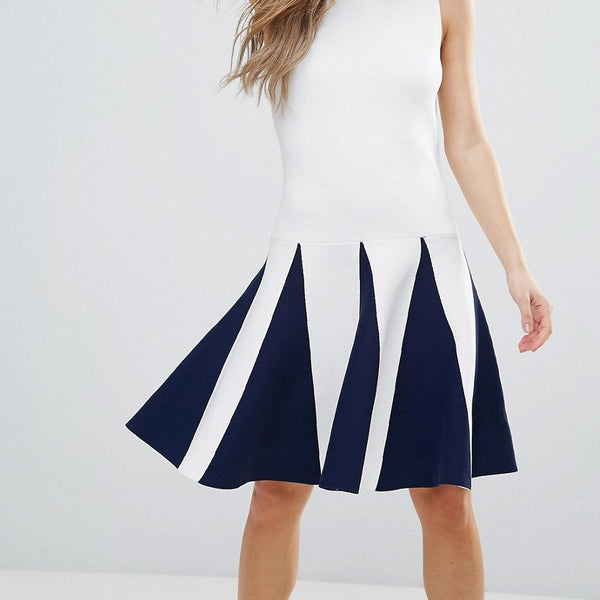 The English Factory Sleeveless Dress With Ruffle Detail - White navy
