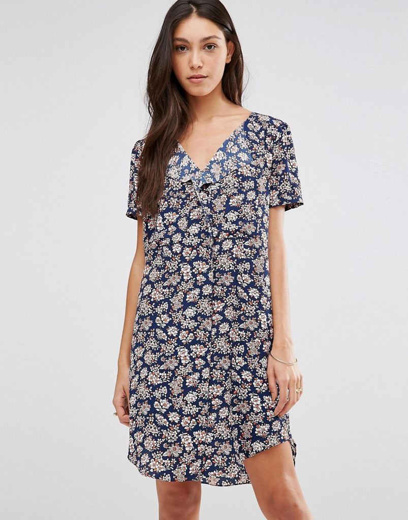 Traffic People Stitch Dress In Illustrated Floral Print - Navy ditsy floral