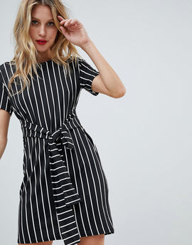 PrettyLittleThing Stripe Tie Waist T-Shirt Dress - Black
