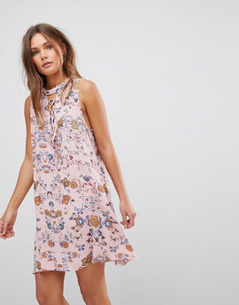 En Creme Sleeveless Floral Dress With Front Lace Up Strings & Back Keyhole - Pink