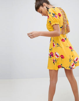 PrettyLittleThing Floral Lace Up Detail Dress - Yellow